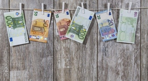Macht-Geld-wirklich-glücklich?